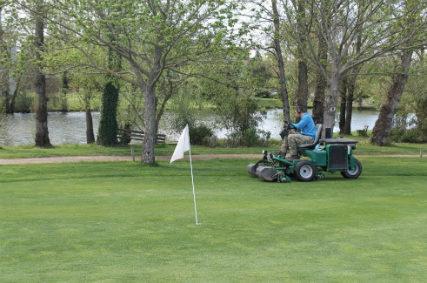 Métiers du golf : Formation de jardiniers